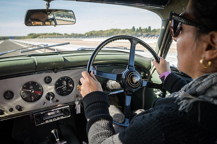 Gracie Opulanza Jaguar Classic Track day Coventry rings