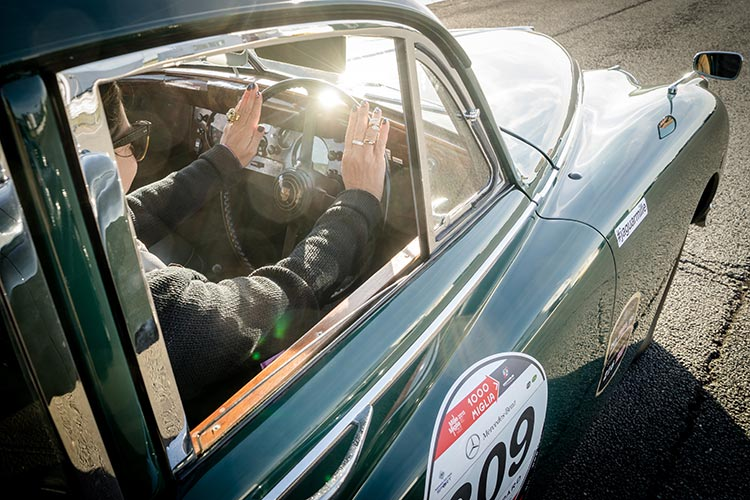 Gracie Opulanza Jaguar Classic Track day Coventry E-Type green