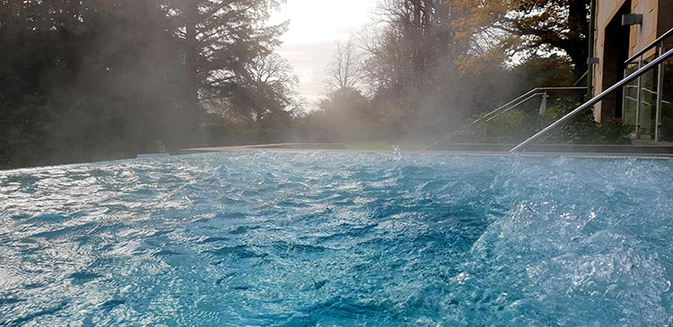 Armathwaite Hall Hotel & Spa in Lake District MenStyleFashion 2018 outdoor Jacuzzi