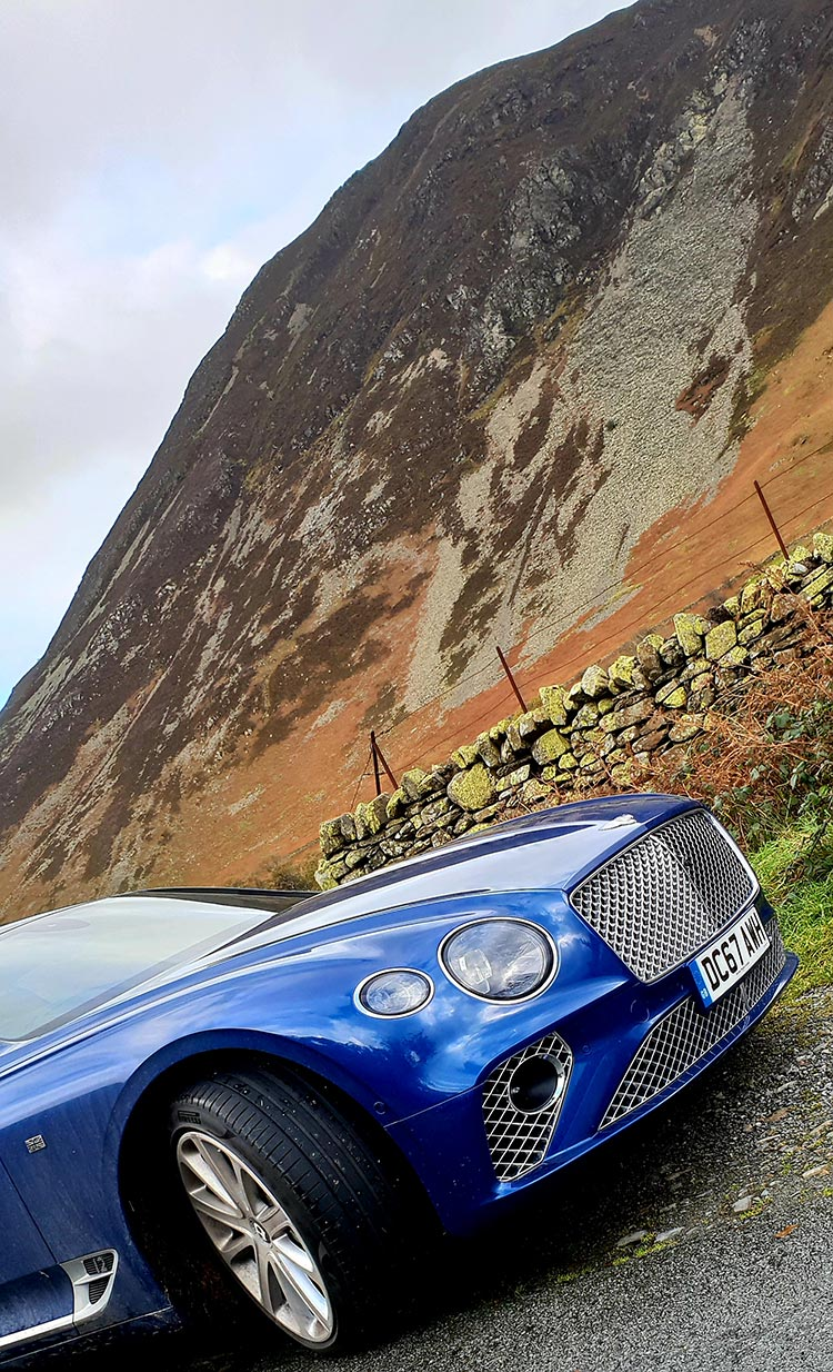 Bentley GT Continental - Grand Tourer Coupe Sequin Blue United Kingdom menstylefashion luxury car 2018 Front Grill