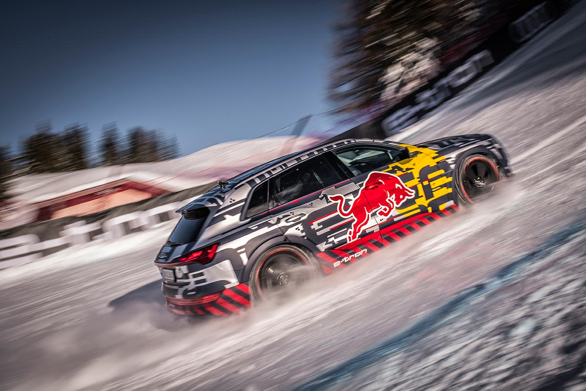 Audi First Fully-Electric - Snow Climb Steepest Section of Kitzbühel's