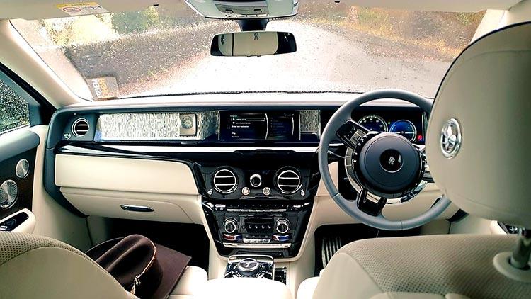 Phantom-Rolls-royce-Dashboard-
