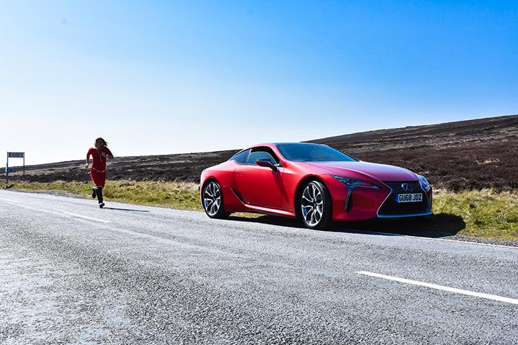 Lexus LC500 Gracie Opulanza lifestyle satin red (1)