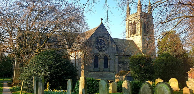 The Black Swan Helmsley North Yorkshire (19) church gardens