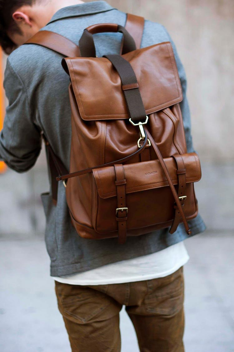 What Looks the Best on Men Backpacks or Messenger Bags?