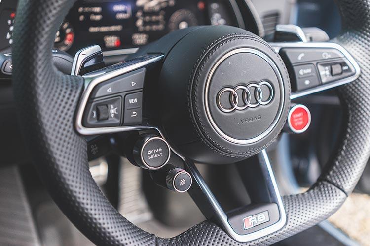 AudiR8 MenStyleFashion Review 2019 (15)